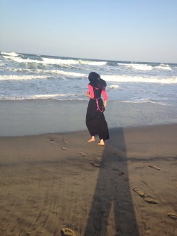 BEACH. INDIAN OCEAN. SAND. WAVES. SUNSHINE. SUBAHANALLAH