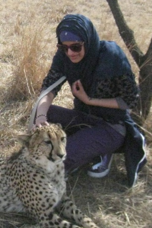 UM SO YEAH I JUST STOKED A CHEETAH ALL CASUAL AND DYING FROM INSIDE BECAUSE WOW