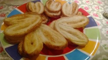 Horseshoe pastry