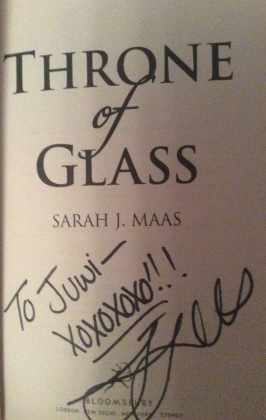 signed throne of glass book